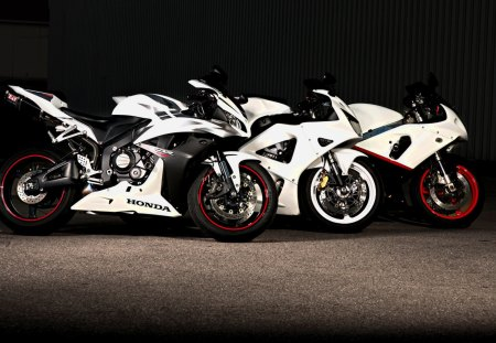 Choose your weapon and let race - picture, 2012, motor, 06, white, 22