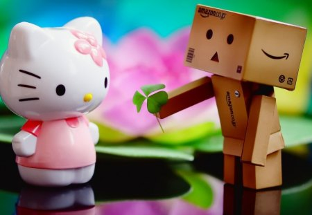 Danbo Loves Kitty - kitty, danbo, photography, love