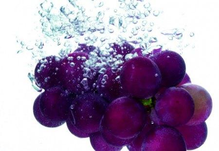 Summer grapes - blue, grapes, fruit, water, summer, purple, aqua, violet, blueberry