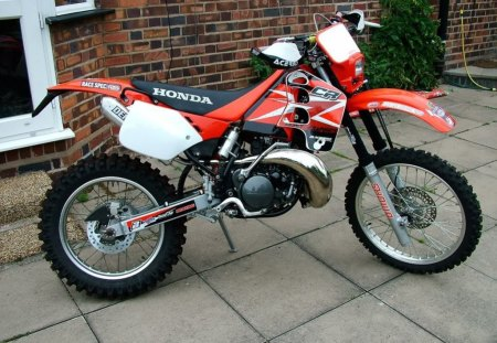 Honda Enduro Bike - endurance, bike, thrill, offroad