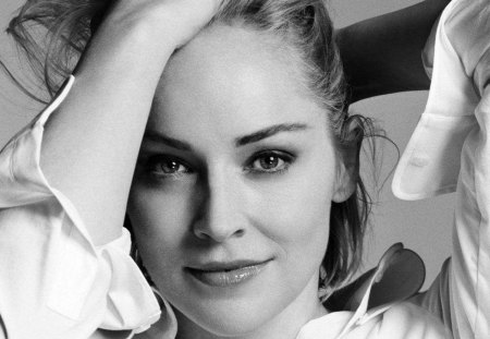 Sharon Stone - cute smile, great black and white pic, female, actress, nice eyes, pretty face