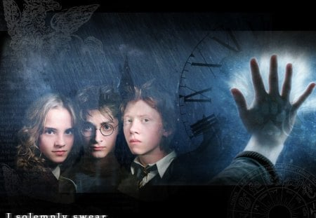 Untitled Wallpaper - harry potter, i solemnly swear, daniel radcliffe, hand, rupert grint, emma watson, hogwarts, time is running down
