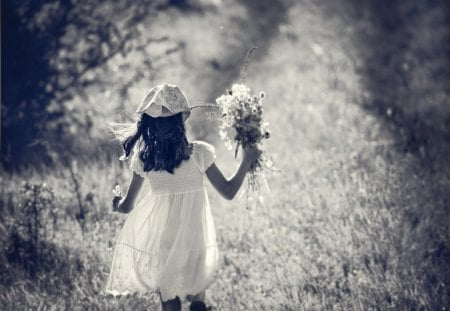SUMMER DAY - girl, child, flowers, bw, summer, phtography, dreamy