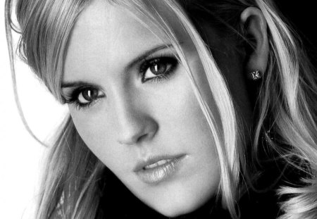 Maggie Grace - maggie grace, beauty, art, actress, fashion, photo