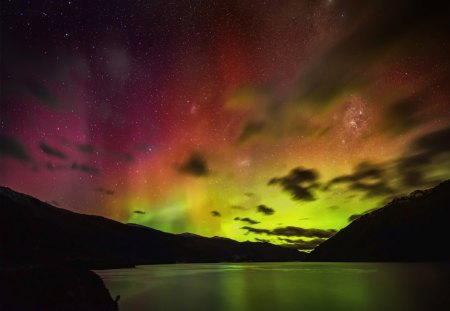 SOLAR STORM - aurora australis, travel, green horizon, breathtaking, sunset, clouds, lake wakatipu, rainbows, colore, red sky, light, rivers, night, australis, amazing, snow-globe, aurora, solar storms, colorful night, sky, lake, new zealand, mountains, queenstown, blue sky
