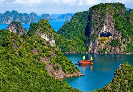 Beautiful island - rocks, red, sailing, clouds, thailand, mountain, boat, green, river, blue, view, sky, east, asia, lake, water, summer, island, nature, sailboat