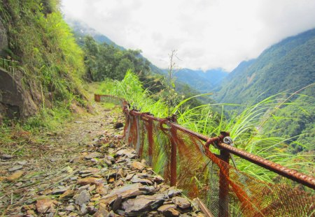 mountain climbing - mountain, rocks, path, mountain climbing, mountain trails, clouds and mist, barbed wire