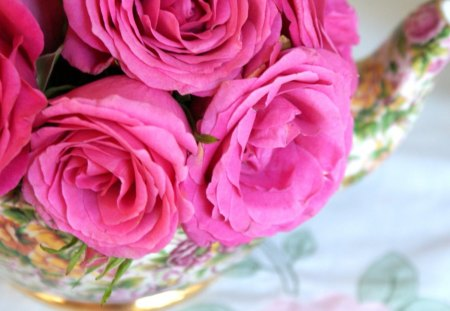 Blessings ABOUND♥ - abundance, sweet pink, roses, blessings, floral, teatime recipe, teapot, bouquet, entertainment, love, forever, precious, arrangement, sunday, fashion