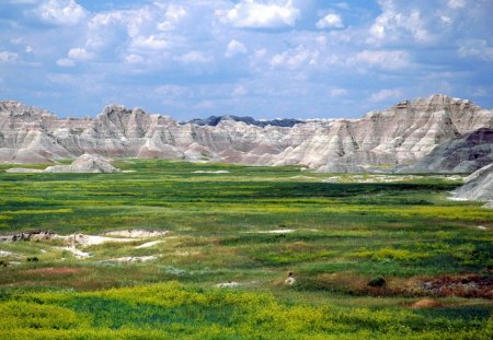 Badlands National Park in South Dakota - national parks, mountains, badlands, south dakota, landscape