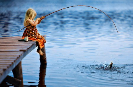 Pretty Girl - pretty, fish, legs, pier, adorable, lake, sweet, hands, water, girl, little girl, fishing