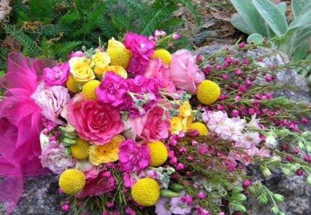 Hot pink flower arrangement flowers nature background wallpapers hot pink flower arrangement mightylinksfo