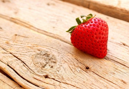Strawberry - food, nice, wood, delicious, strawberry, red, fruit, summer, nature