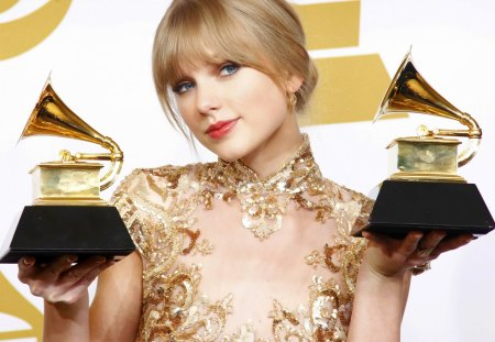 Taylor Swift - beautiful, performer, singer, music