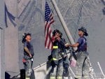 9/11 :Firefighters Raise Old Glory