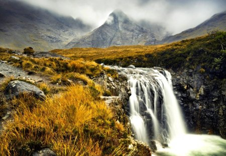 MISTY MOUNTAIN WATERFALLS - scenic, europe, inner hebrides, waterfall, western europe, great britain, british isles, sky, uk, scottish highlands, mist, water, serenity, stark, hebrides, scotland, landscape, isle of skye