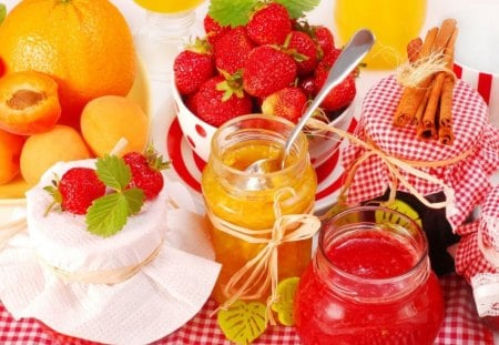 Summer delight - red, juice, strawberry, food, fruits, delight, yellow, sweet, gold, honey, summer, peach
