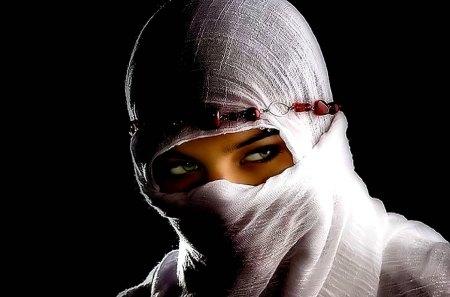 ARABIAN BEAUTY - make up, arabian, eyes, beauty, tender, model, woman, girl, sad, love