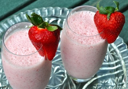 Yummy Strawberry Smoothies - drink, stawberry, food, smoothie, fruit, pink