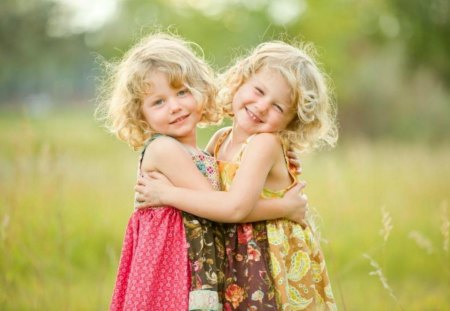 * Sisters forever * - sunny day, lovely, grass, sisters, little girls, i love you, cute, thank you, green, warmth, friendship, love, childhood, field, friends