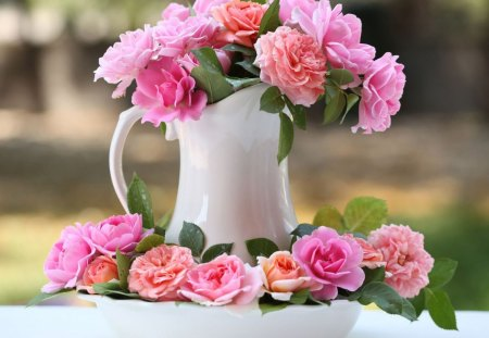 Lovely roses - flowers, blooms, nice, petals, nature, bud, bouquet, bright colors, jar, tenderness, still life, blossoms, delicate