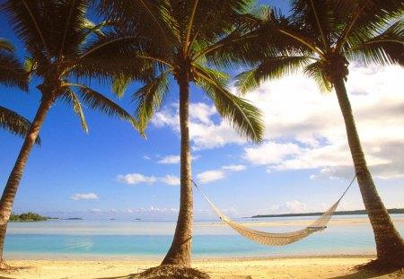 Beach Hammock   Aitutaki, Cook Islands