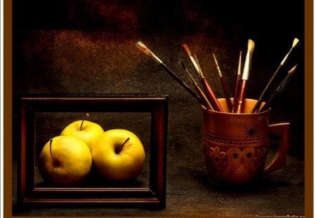 APPLES AND BRUSHES - jaune, marron, cadre, pommes