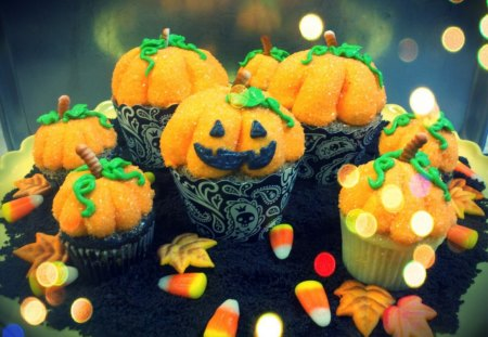 Halloween cupcakes - marzipan, autumn, orange, halloween, ginger, dessert, sweet, green, pumpkin, scary, face, corn, food, smile, leaf, cupcakes, funny