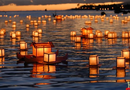 Amazing Small Beautiful Candle Ships In Water - candle, small, light, amazing