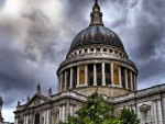 st. pauls cathedral in london hdr