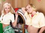 Sexy Jukebox girls