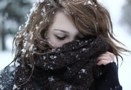Winter Scent - scent, beautiful, woman, winter, snowflake, photography, girl, snow, snowflakes, scarf, face