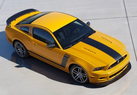 2013-Mustang-Boss-302 - 302, yellow, black stripe, ford