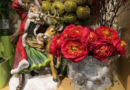 ≡Santa Is Almost Here!♥≡ - red roses, moose, hydrangea, beautiful, winter, enchanting, santa, merry christmas, eucalyptus, love, forever, arrangement, nature, greens, simple red gerbs, pinecones