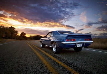 Chevrolet Camaro SS - oldsmobile, ss, muscle, chevy, camaro, sunset, old, american, sunset cars, chevrolet, car, dream