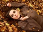 Girl_autumn-