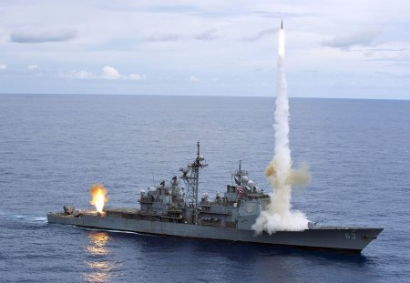 Missile Cruiser - training, amazing, war, power, incredible, sea, rocket, missile, launch