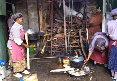 Ethiopian Kitchen - orphanage, ethiopia, cooks, poverty