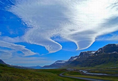 Beautiful Clouds - Picture, Beautiful, Mountains, Clouds