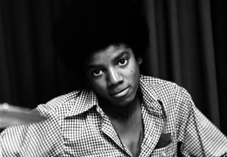 Young Michael♥ - michael jackson, artist, music, black, unique, beginning, young, entertainment, love, forever, white