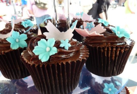 Chocolate cupcakes - delicious, food, chocolate, sweet, turquoise, cupcakes, butterfly, white, blue