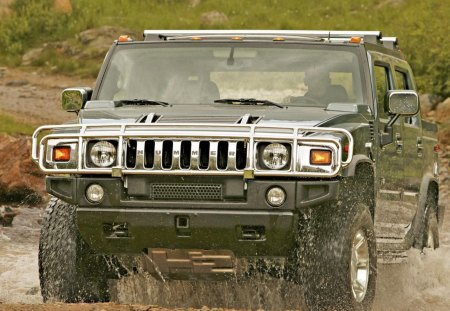 Hummer H2 rides on dirt - hummer, water, road, car