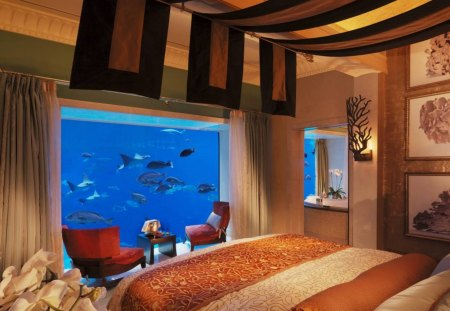 The Lost Chambers Suite Atlantis The Palm Dubai - lost chambers, underwater, tropical, retreat, resort, bed, hotel, room, holiday, fish tank, sea, the palm, exotic, luxury, coral reef, atlantis, fish, view, ocean, dubai, paradise, suite