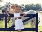 Ana Hickmann and horse