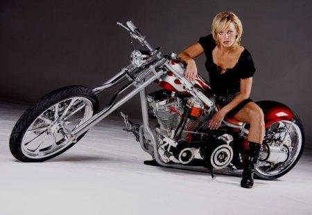 Melissa - babe, bike custom harley