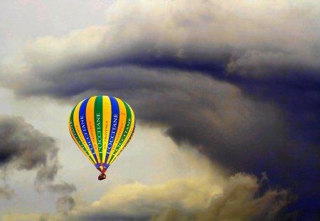 HOT AIR BALLOON - clouds, sky, air, hot, balloon