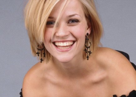 reese witherspoon - smile, model, earing, shortcut