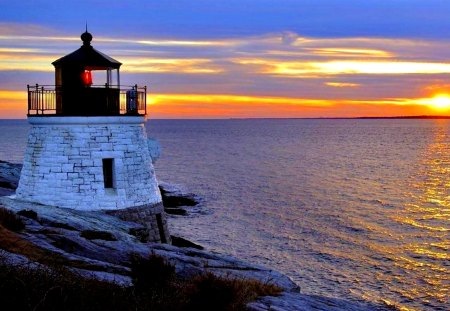 LIGHTHOUSE at DUSK - sunset, sky, lighthouse, sea, sun
