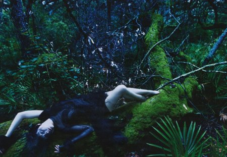 Sanctuary 02 - guinevere van seenus, w magazine, editorial, w, fashion, mario sorrenti