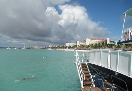 Swimming day in Aruba - photography, Oceans, clouds, sky, Swimming