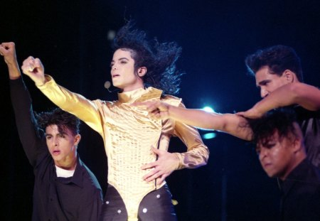 Golden Angel♥ - michael jackson, music, golden, angel, beautiful, unique, singer, entertainment, love, heart, forever, soul, stage, dance